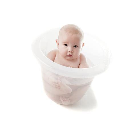 baignoire tummy tub comment choisir la baignoire de b 233 b 233