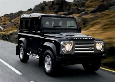 land rover pajero compare mitsubishi pajero and land rover defender which