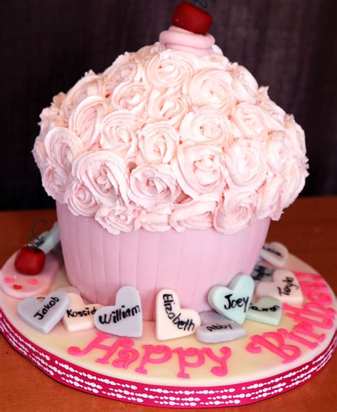Kue Ulang Tahun Bunga Cokelat kue ultah dengan tema pink hotagri