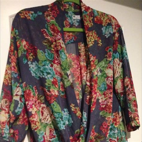 Floral Flare Sleeve Top Banana Republic Blouse Atasan Wanita 79 kut from the cloth tops floral blouse from