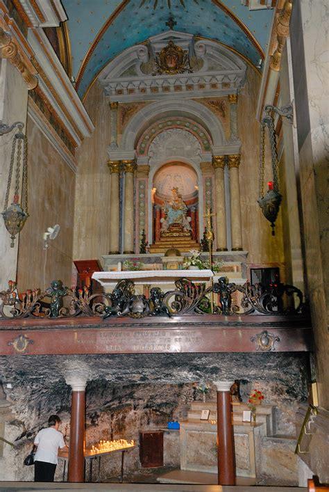 interior de la iglesia stella maris monte carmelo haifa