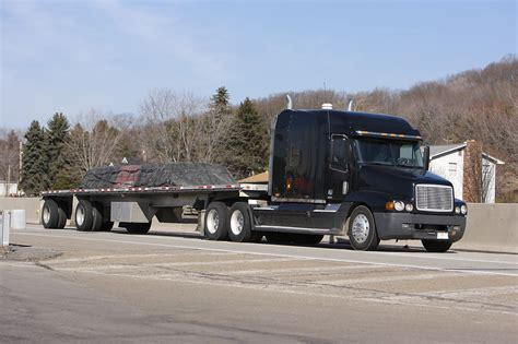 flat bed trucks what kind of negligence can lead to a flatbed truck accident