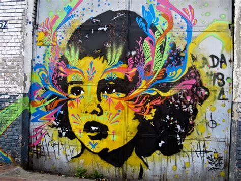 wallpaper that looks like graffiti http wolimej com graffiti art bogota free 3d wallpaper