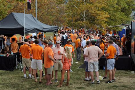 ut vols football tailgating the holli mccray