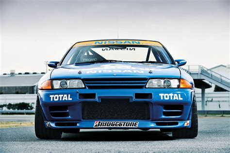 skyline nissan r32 calsonic r32 nissan skyline gt r video review evo
