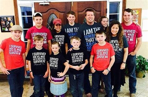 19 kids and counting family welcomes new member jessa thousands of pro lifers support duggar family tell tlc to