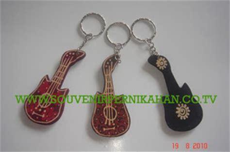 Figura Kayu Batik 3 R risthy souvenir