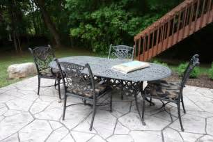 cast aluminum outdoor patio table and chairs ebth
