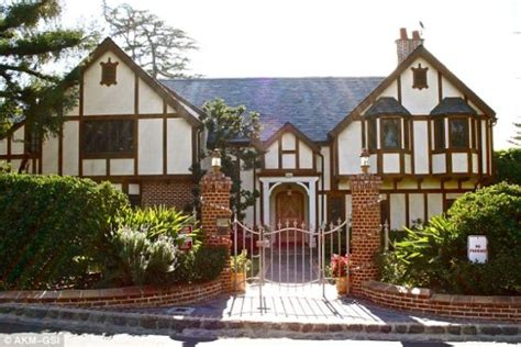 house of cosbys bill cosby s house pictures to pin on pinterest pinsdaddy