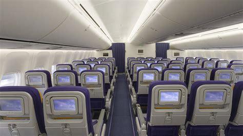 boeing 747 cabin boeing 747 8 lufthansa magazin
