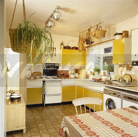 70 s kitchen 10 best ideas about 70s kitchen on 1970s kitchen 70s decor and 70s home decor