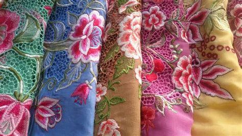 design batik encim 54 best kebaya encim images on pinterest kebaya batik