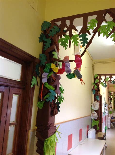 como hacer una decoracion de la cueva de batman en reciclaje 98 mejores im 225 genes sobre decoraci 211 n de salones de clases