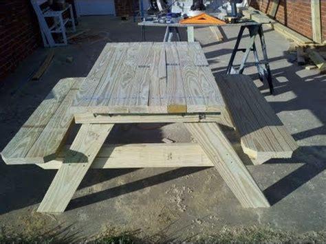 build   foot picnic table   umbrella holder