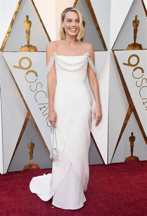margot robbie best actress oscar margot robbie s dress disappointed at the 2018 oscars