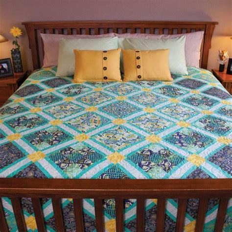 what is the size of a bed quilt 25 best ideas about size quilt on quilt