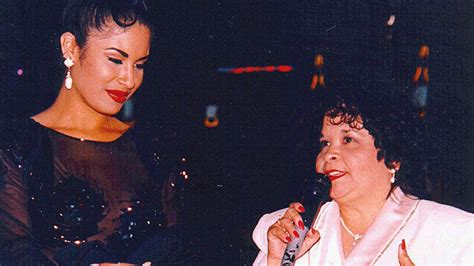 selena quintanilla yolanda saldivar selena quintanilla s killer is alive texas official says