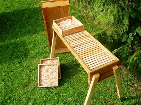 How To Build A Top Bar Bee Hive by Top Bar Beehive Plans Free Fl