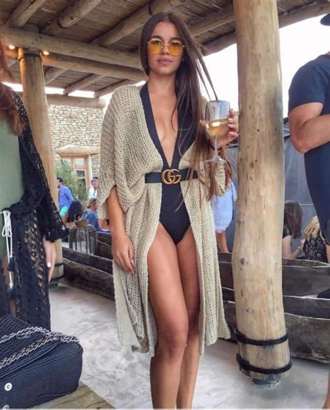 vacation memorable   outstanding beach outfits