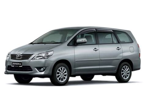 Toyota Innova Photos, Interior, Exterior Car Images   CarTrade