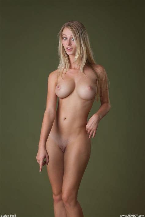 Naked Carisha Maja In Bavarian Dream