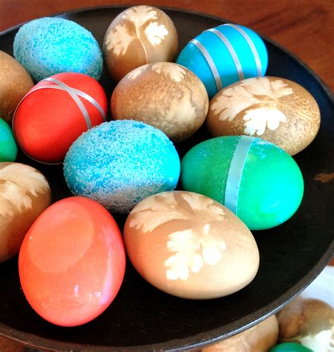 decorate easter eggs creative easter egg decorating all she cooks