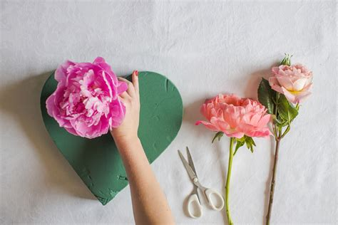 Fresh Floral Heart Diy Tutorial | fresh floral heart diy tutorial