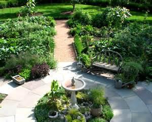 Potager Garden Layout Potager Garden Traditional Landscape Chicago By The Brickman Ltd