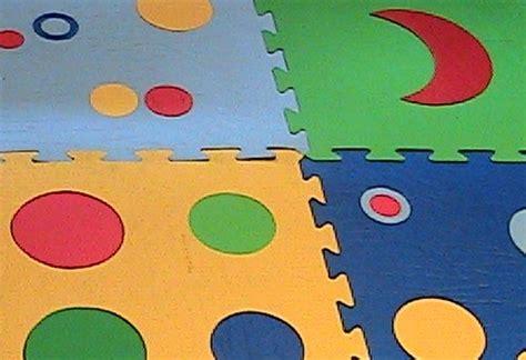 tappeti gommosi per bambini tappeti gommosi pannelli termoisolanti