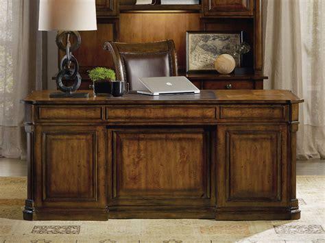 furniture tynecastle medium wood 72 l x 36 w