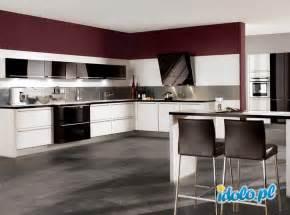 black gloss kitchen ideas pomys蛯y na aran蠑acje kuchni pomys蛯y na aran蠑acje kuchni
