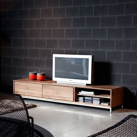 sedia arreda essential tv mobile porta tv ethnicraft in legno con