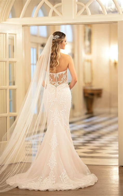 simple  glamorous fit  flare wedding gown stella