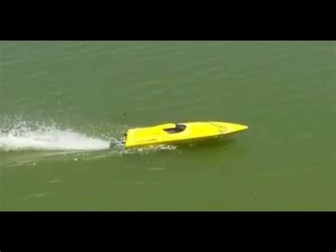 boat hull hobbyking hobbyking pursuit v hull rc boat speed test at lake