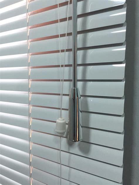 wonderful Living Room Area Rugs #4: venetian-blinds-in-dubai-for-office-windows.jpg