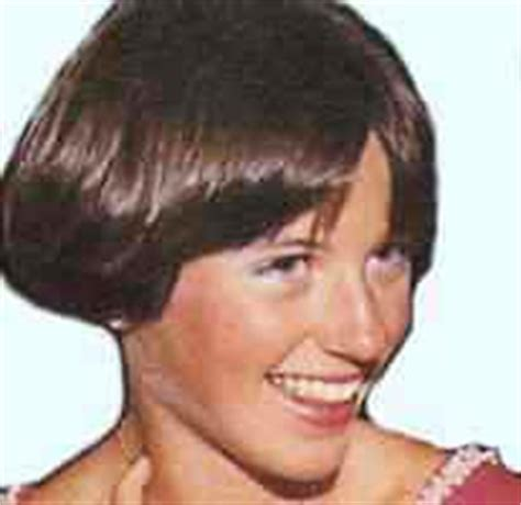 dorothy hamill haircut 80 you were a girl in the 70s and 80 s if celebrating