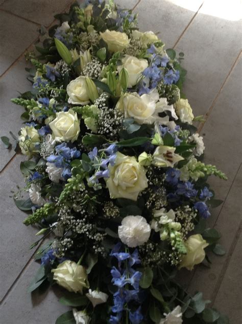 Sprei Flower blue and white coffin spray blue delphinium white roses