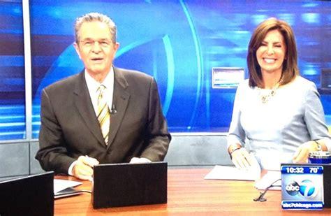 channel 7 news chicago anchors chicago abc updating studio lighting newscaststudio