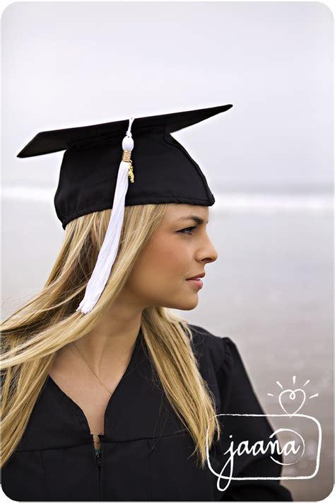 senior graduation pinterest 25 best graduation photo shoot ideas images on pinterest