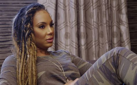 tamar braxton on chris brown diss she fights back says gossip on this vida