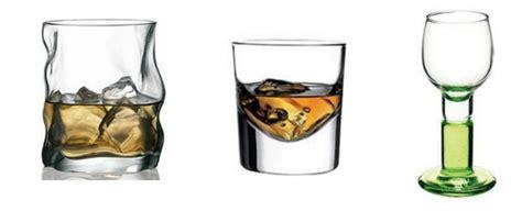 bicchieri da amaro bicchiere vetro per liquore forme e caratteristiche