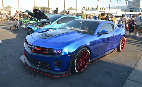 Camaro Edges Out Mustang To Be Voted 2017 Sema Show S