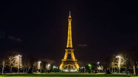 free wallpaper eiffel tower eiffel tower wallpapers best wallpapers