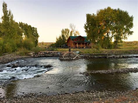 Hand Built Log Cabin On River   Three Bedro    VRBO