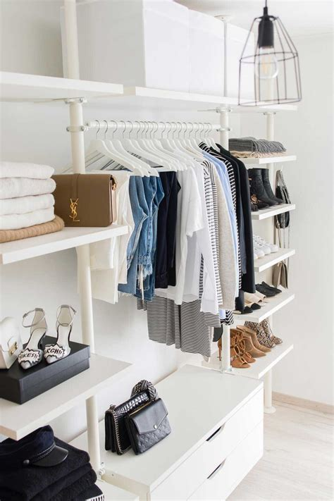 Garderobe Schlafzimmer by 5 Steps To Cleaning Out Your Closet For Fall