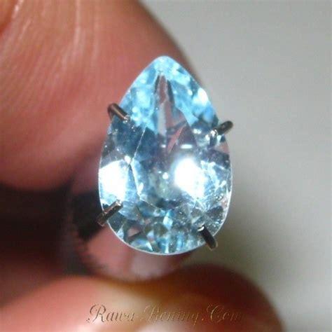 Liontin Pancawarna Tetes Air batu topaz biru muda bentuk tetes air 1 60 carat murah bagus