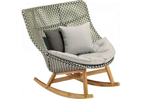 poltrone sedie a dondolo mbrace dedon sedia a dondolo milia shop