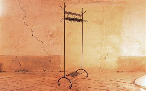 porta abiti in ferro battuto stendino porta abiti letti in ferro battuto caporali quot il