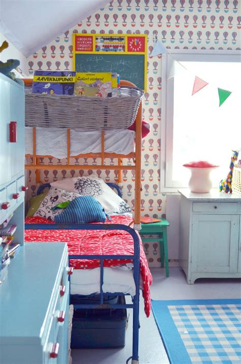 41 awesome kids rooms with wallpapers kidsomania modern kids rooms with bunk beds petit small
