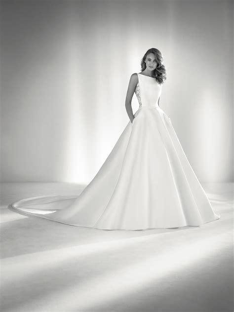 hochzeitskleid ria ronda wedding dress with lace back pronovias 2018